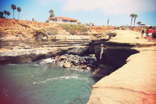 pool and cliff diving 085.JPG_effected